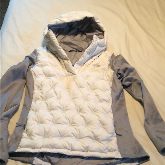 North Face Women s Mash-Up Down Pullover. M 5afcbc543b1608fe0d0511ce 8efb9cca0